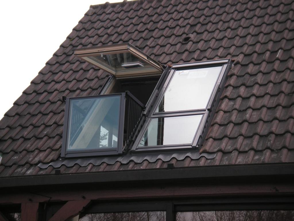 Мансардное окно-балкон fakro fgh-v p2 galeria купить в екате.